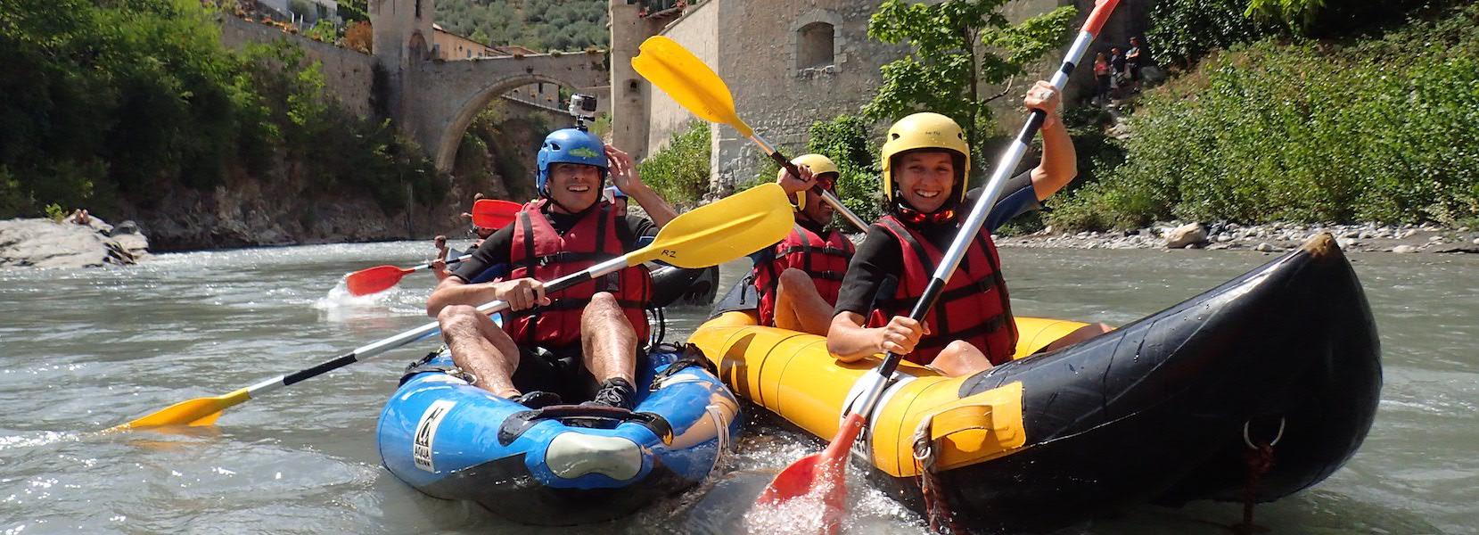 Descente en kayak sur le Var entre Entrevaux et Puget-théniers.