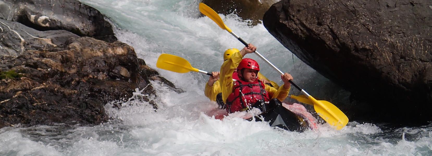 Parcours sportif en kayak dans la vésubie alpes maritimes nice.